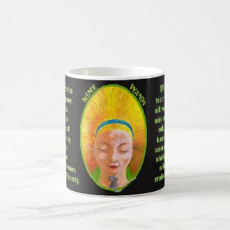 09. Neun von Wands - Alice-Tarot Kaffeetasse