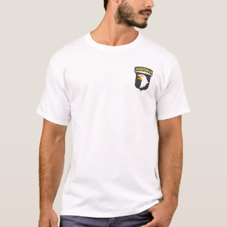 101st Im Flugzeug + Luft-Angriff Wings T - Shirt