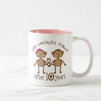 10. Hochzeitstag-Geschenke Zweifarbige Tasse