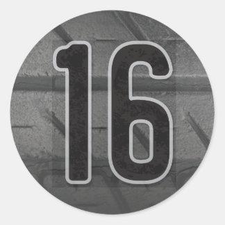 16. Der Geburtstags-Aufkleber des Jungen Runder Aufkleber