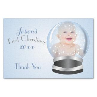 1. Foto Babys blauer Junge der Schnee-Kugel Seidenpapier