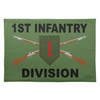 1. Infanteriedivision - gekreuzte Gewehre - mit Stofftischset