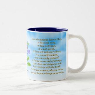 1 Korinther-13:4 - 7 Vergissmeinnicht-Bibel-Vers Zweifarbige Tasse
