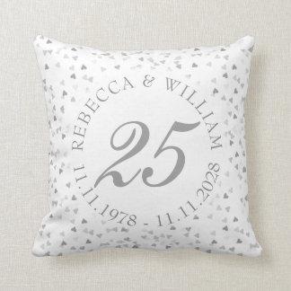 25. Hochzeitstag-silberner HerzenConfetti Zierkissen