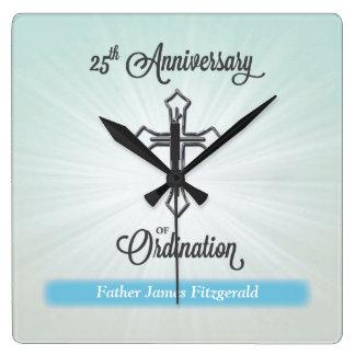 25. Jahrestag der Klassifikation, quadratisches Quadratische Wanduhr