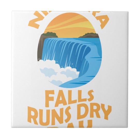 29. März - Niagara Falls lässt trockenen Tag Keramikfliese