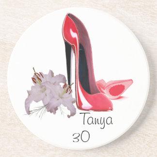 30. Geburtstags-rote Stilett-Schuhe und Lilien Untersetzer