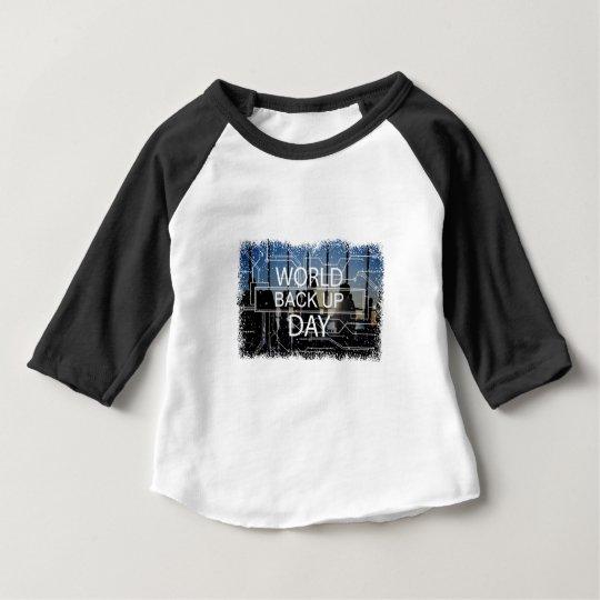 31. März - Weltaushilfstag Baby T-shirt