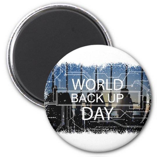 31. März - Weltaushilfstag Runder Magnet 5,7 Cm