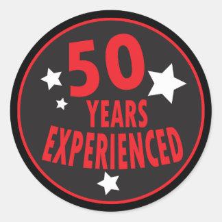 50 ans ont éprouvé le cinquantième anniversaire de sticker rond