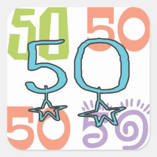 50. Geburtstag spielt buntes die Hauptrolle Quadratischer Aufkleber