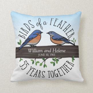 55. Hochzeitstag, Drosseln einer Feder Kissen
