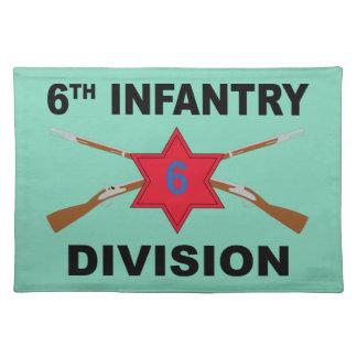 6. Infanteriedivision - gekreuzte Gewehre - mit Stofftischset