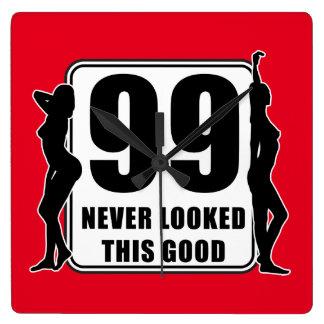 99 never looked this good quadratische wanduhr