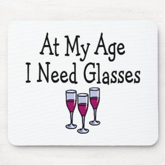 À mon âge j'ai besoin de verres tapis de souris