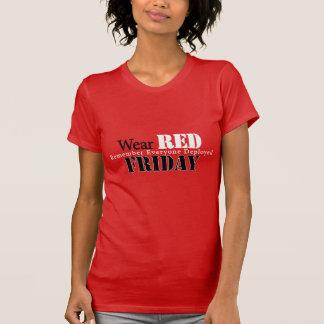 Abnutzungs-Rot am Freitag T-Shirt