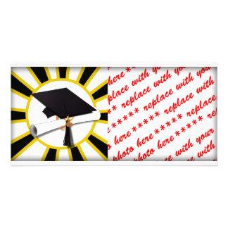 Absolvent-Kappe u. Diplom w/School färbt Schwarzes Photo Karten Vorlage