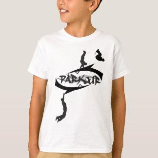 Abstrakter Parkour drehen um T-Shirt