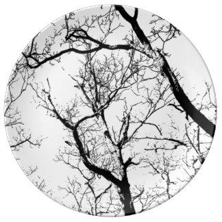Abstrakter Schwarz-weißer Baum des dekorativen Teller