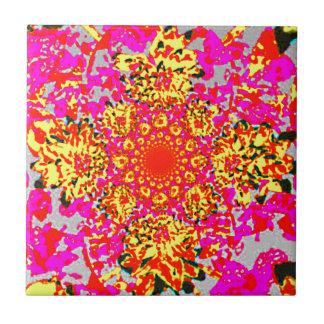 Abstraktes gelbes rosa Blumendahlie-Blumen-Muster Kleine Quadratische Fliese