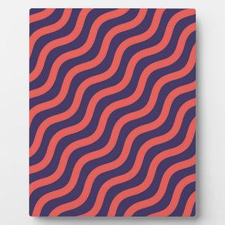 Abstraktes geometrisches Wellenmuster Platte
