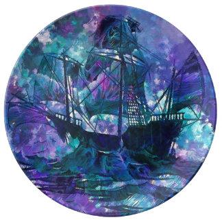 Abstraktes lila Schiff der dekorativen Teller