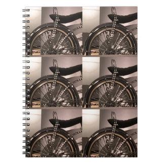 Addieren grafische Dekoschablone der Spiral Notizblock