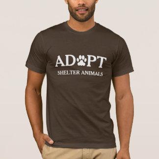 """""""Adoptieren Sie Schutz-Tier-"""" T - Shirt"""