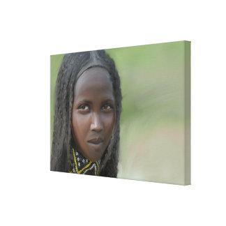 Afrikanische Frau mit Hals-Dekorationen Leinwanddruck