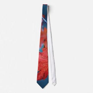 Ahorn-Blätter in der Fall-Jahreszeit Bedruckte Krawatte