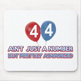 aint 44 gerade eine Zahl Mousepad