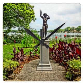 Albin Polasek Skulptur-Garten-Winter-Park FL Quadratische Wanduhr