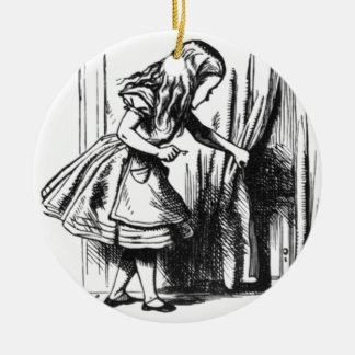 Alice findet eine Tür Rundes Keramik Ornament