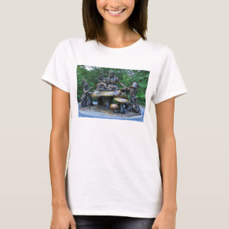 Alice im Wunderland - Central Park NYC T-Shirt