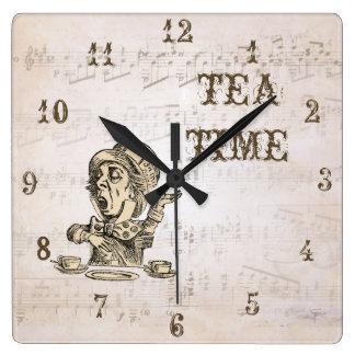 Alice im Wunderland-wütende Hutmacher-Tee-Zeit-Uhr Quadratische Wanduhr