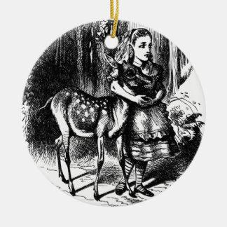 Alice und ein Kitz Keramik Ornament