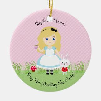 Alice und ihr Tee-Party Rundes Keramik Ornament