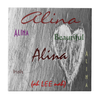 Alina irische Namensbedeutung mit hellgrauem Herze Kacheln