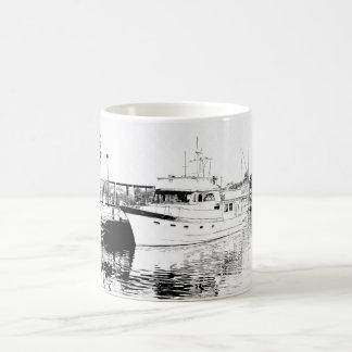 Alle oben gebunden --  Boot und Pier Kaffeetasse