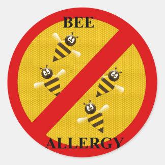 Allergisch zu den Bienen Runder Aufkleber