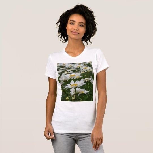 Alles ist aufkommende Gänseblümchen T-Shirt