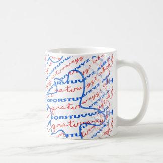 Alphabet-Entwurf auf Kaffee-Tasse Tasse