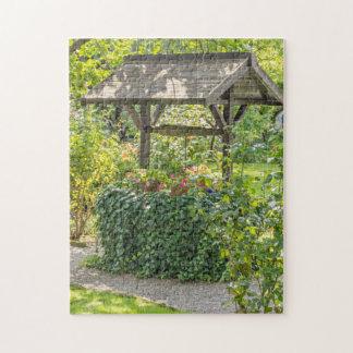 Alt gut in einem Garten-Fotopuzzlespiel
