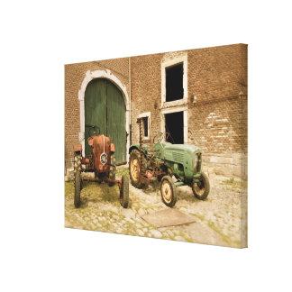 Alte europäische Traktoren Leinwanddruck