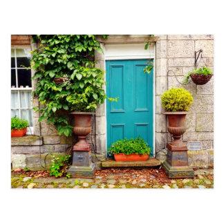 Alte, traditionelle schottische Tür Postkarte