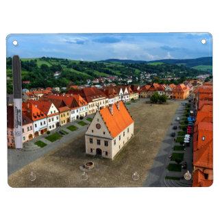 Alter Rathausplatz in Bardejov, Slowakei Trockenlöschtafel Mit Schlüsselanhängern