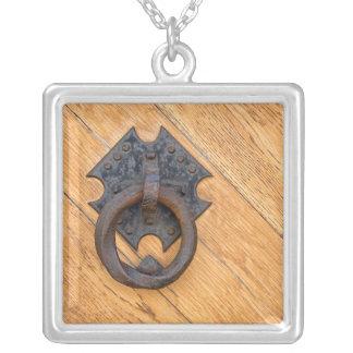Alter Türklopfer Halskette Mit Quadratischem Anhänger