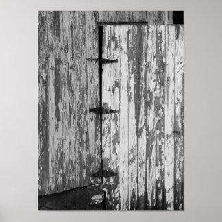 Altes Scheunen-Tür-Schwarzweißfotografie Poster