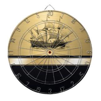 Altes Schiff des noblen attraktiven goldenen Dartscheibe