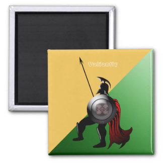 Altes spartanisches Kriegers-Grün und Gelb Quadratischer Magnet